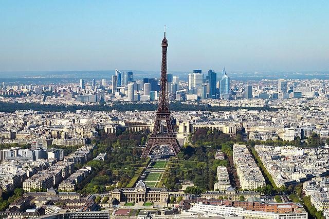 640px-Paris_vue_d'ensemble_tour_Eiffel